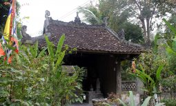 Chiêm ngưỡng nghệ thuật chạm khắc gỗ ở ngôi đền tuổi đời 3 thế kỷ: Đền Rậm