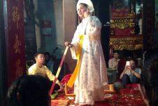 (Tiếng Việt) Mẫu Thoải biểu tượng thần nước trong Tam tòa Tứ phủ
